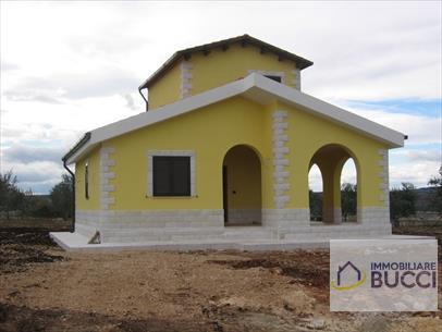Villa unifamiliare 3 vani e acc. Nuova costruzione