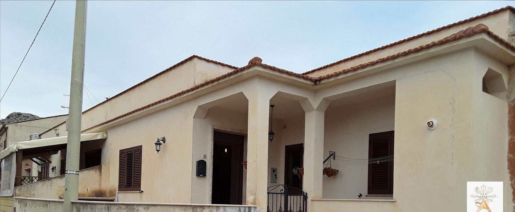 Soluzione Indipendente in vendita a Custonaci, 4 locali, prezzo € 169.000 | CambioCasa.it
