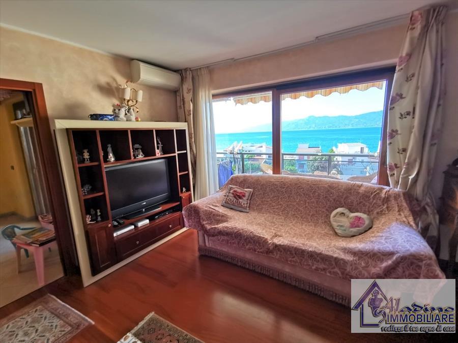 Appartamento in vendita a Reggio Calabria, 4 locali, prezzo € 275.000 | CambioCasa.it