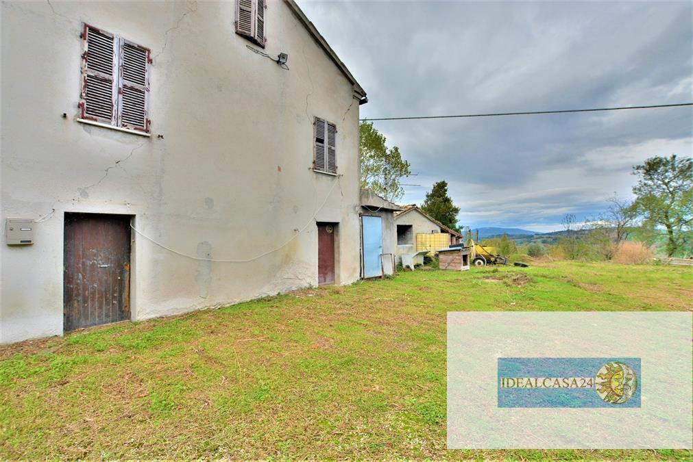 Soluzione Indipendente in vendita a San Ginesio, 5 locali, prezzo € 39.000   CambioCasa.it