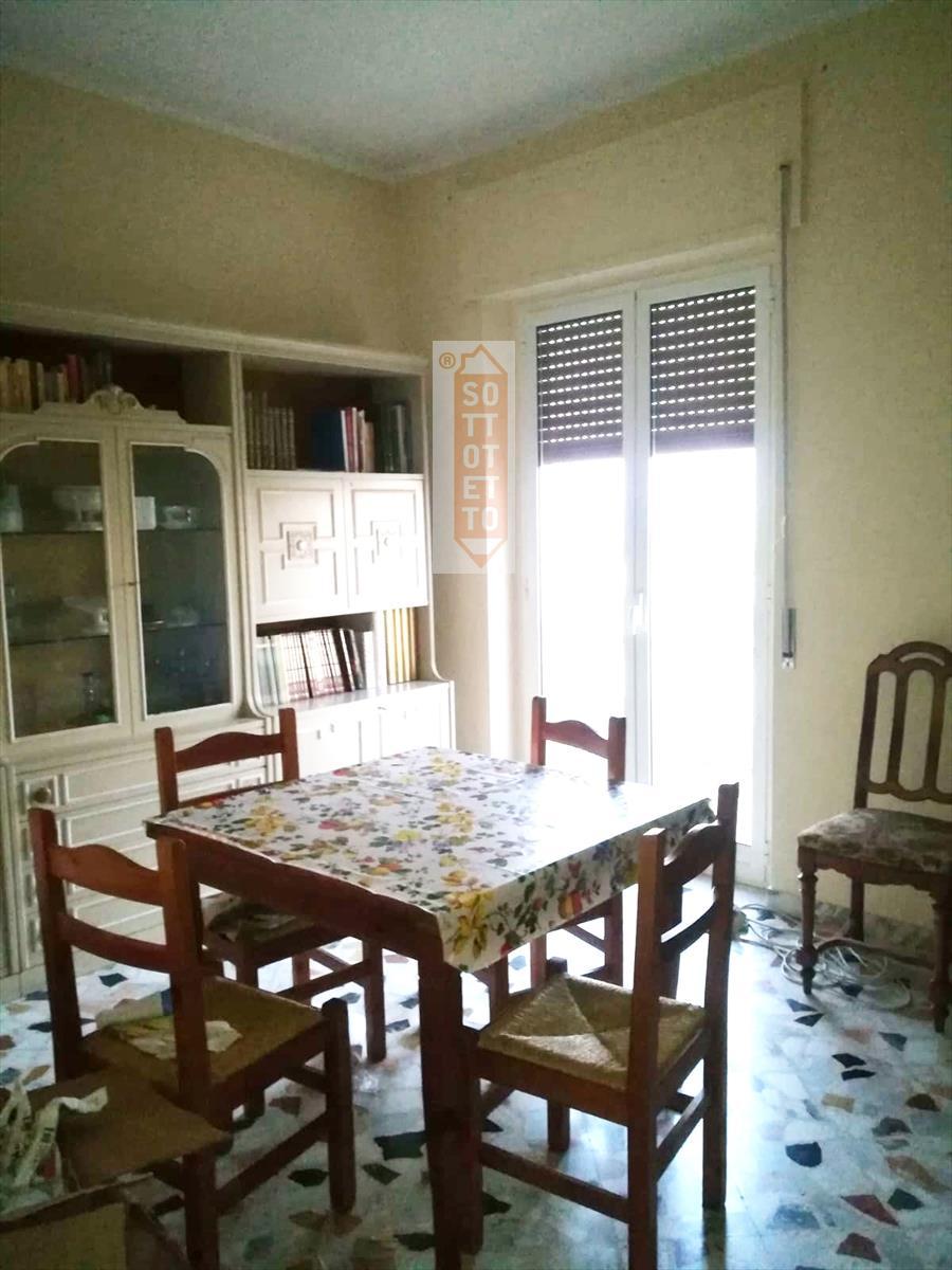 Appartamento in affitto a Corato, 3 locali, prezzo € 400 | CambioCasa.it