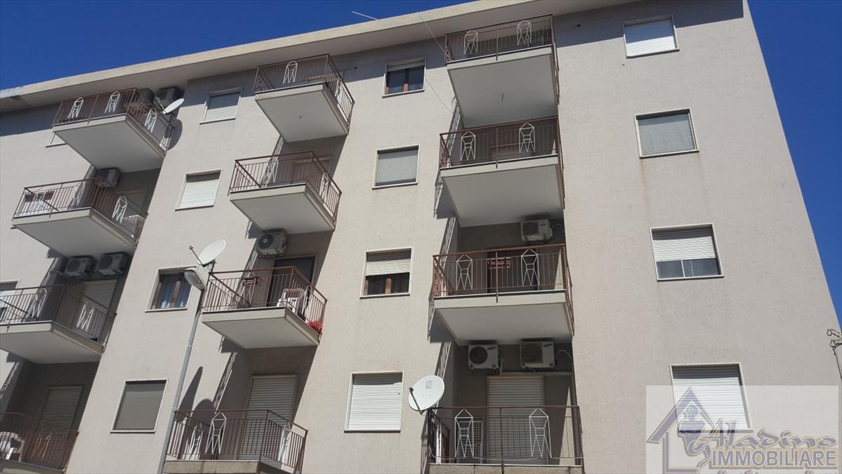 Appartamento in vendita a Reggio Calabria, 4 locali, prezzo € 110.000 | CambioCasa.it