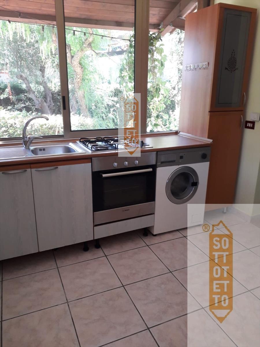 Villa in affitto a Corato, 9999 locali, prezzo € 350 | CambioCasa.it