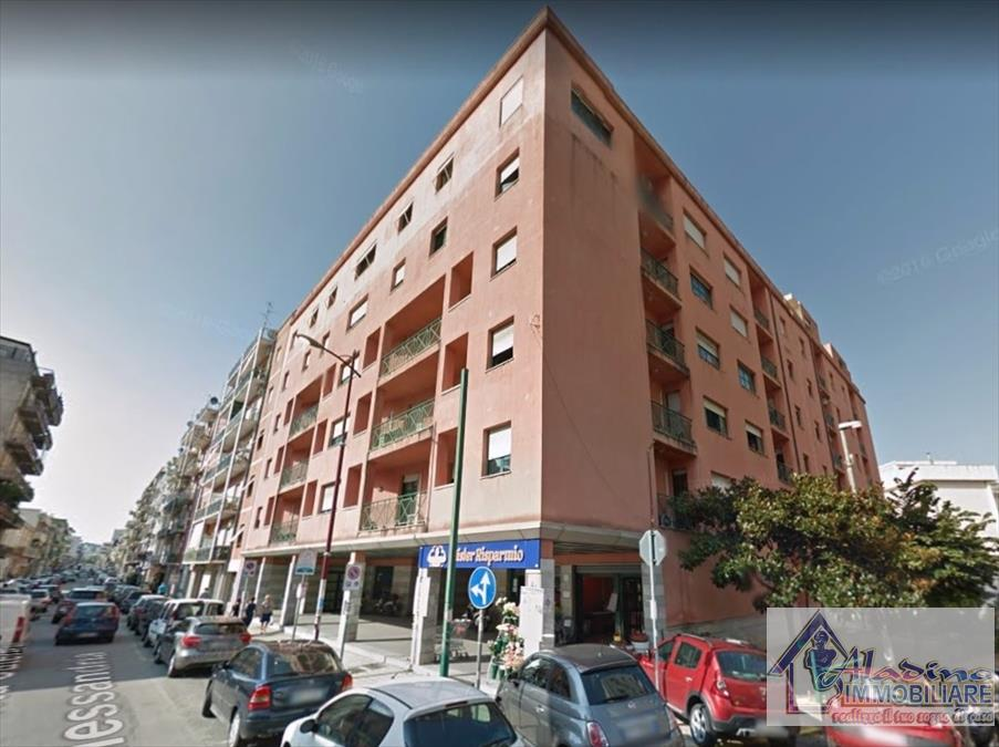 Appartamento in vendita a Reggio Calabria, 4 locali, prezzo € 166.000 | CambioCasa.it