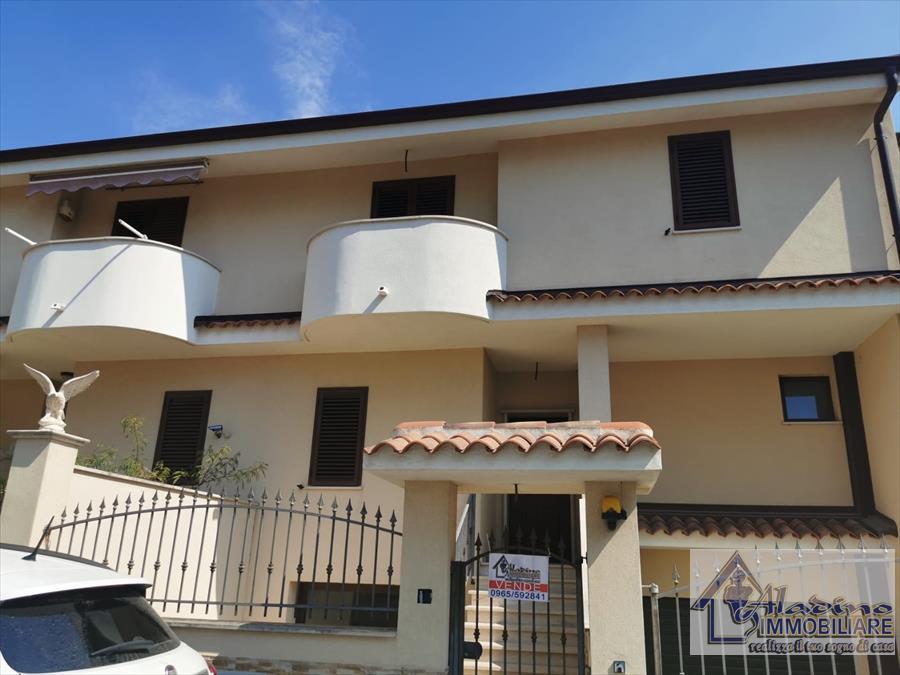 Soluzione Indipendente in vendita a Reggio Calabria, 5 locali, prezzo € 195.000 | CambioCasa.it