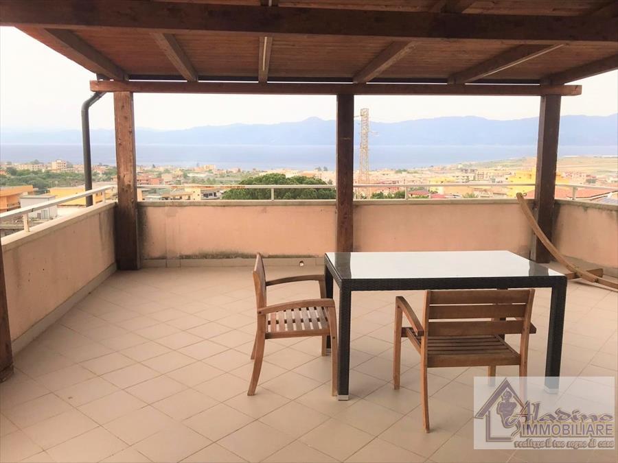 Appartamento in affitto a Reggio Calabria, 4 locali, prezzo € 500 | CambioCasa.it