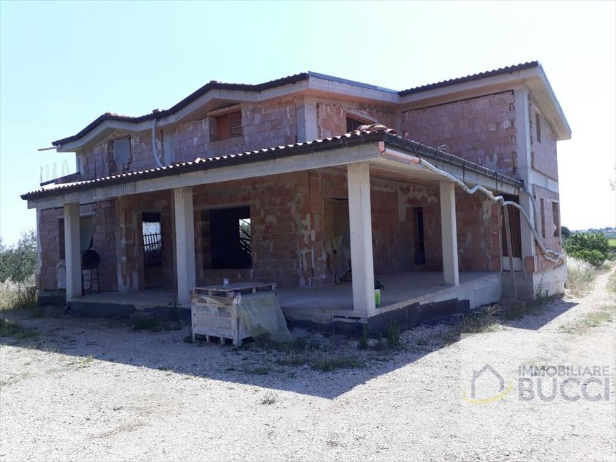 villa unifamiliare allo stato rustico