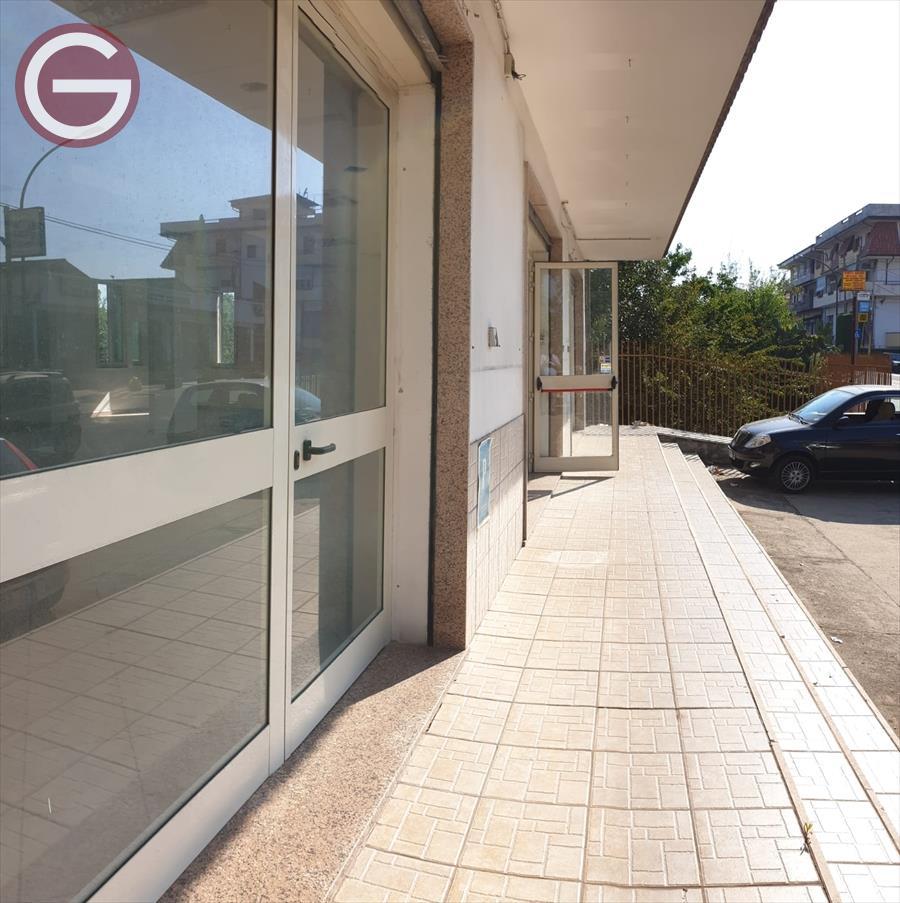 Locale Commerciale Taurianova 752