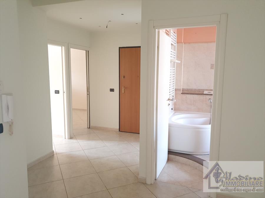 Appartamento in affitto a Reggio Calabria, 4 locali, prezzo € 450 | CambioCasa.it