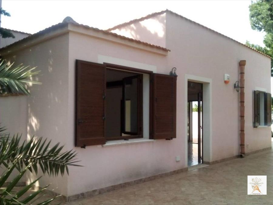 Soluzione Indipendente in vendita a Trapani, 5 locali, prezzo € 135.000 | Cambio Casa.it