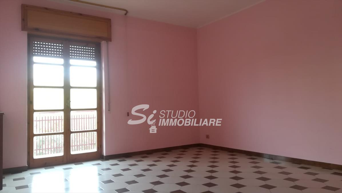 Appartamento in affitto a Ruvo di Puglia, 4 locali, prezzo € 400 | CambioCasa.it