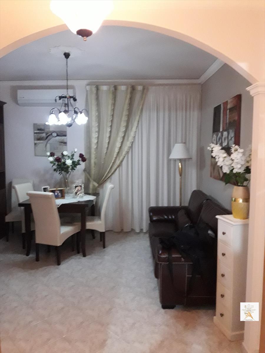 Appartamento in vendita a Erice, 4 locali, prezzo € 55.000 | CambioCasa.it