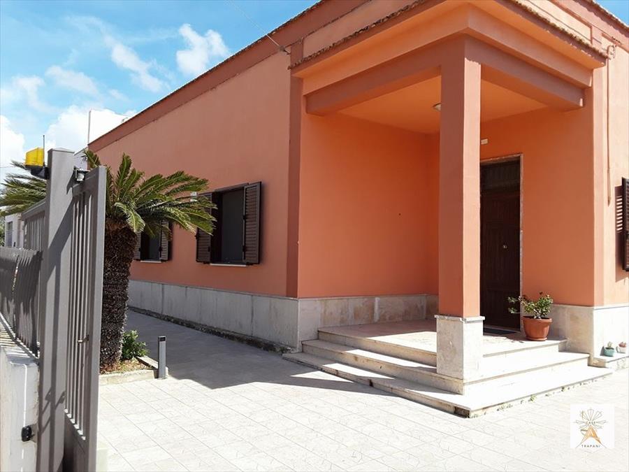 Soluzione Indipendente in vendita a Trapani, 4 locali, prezzo € 175.000 | Cambio Casa.it