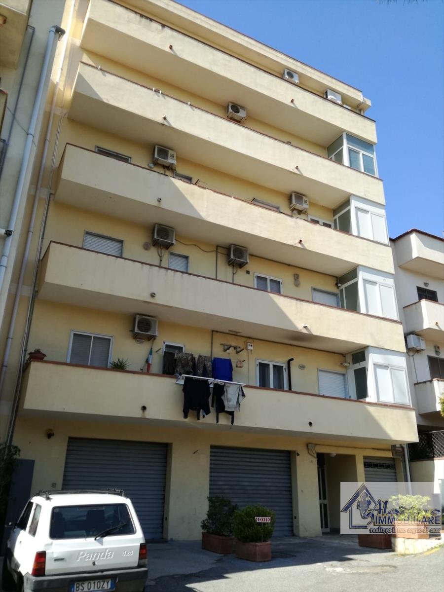 Appartamento in vendita a Reggio Calabria, 3 locali, prezzo € 99.000 | CambioCasa.it