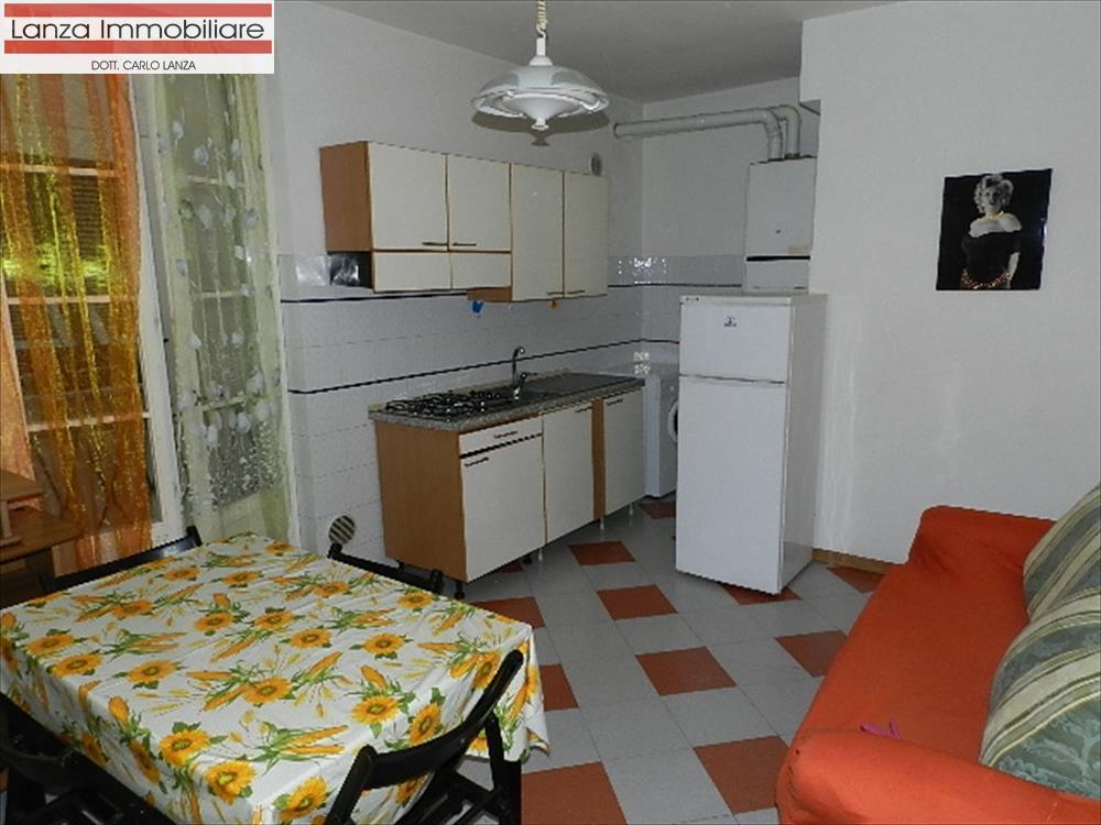 Appartamento in affitto a Ovada, 2 locali, prezzo € 280 | CambioCasa.it