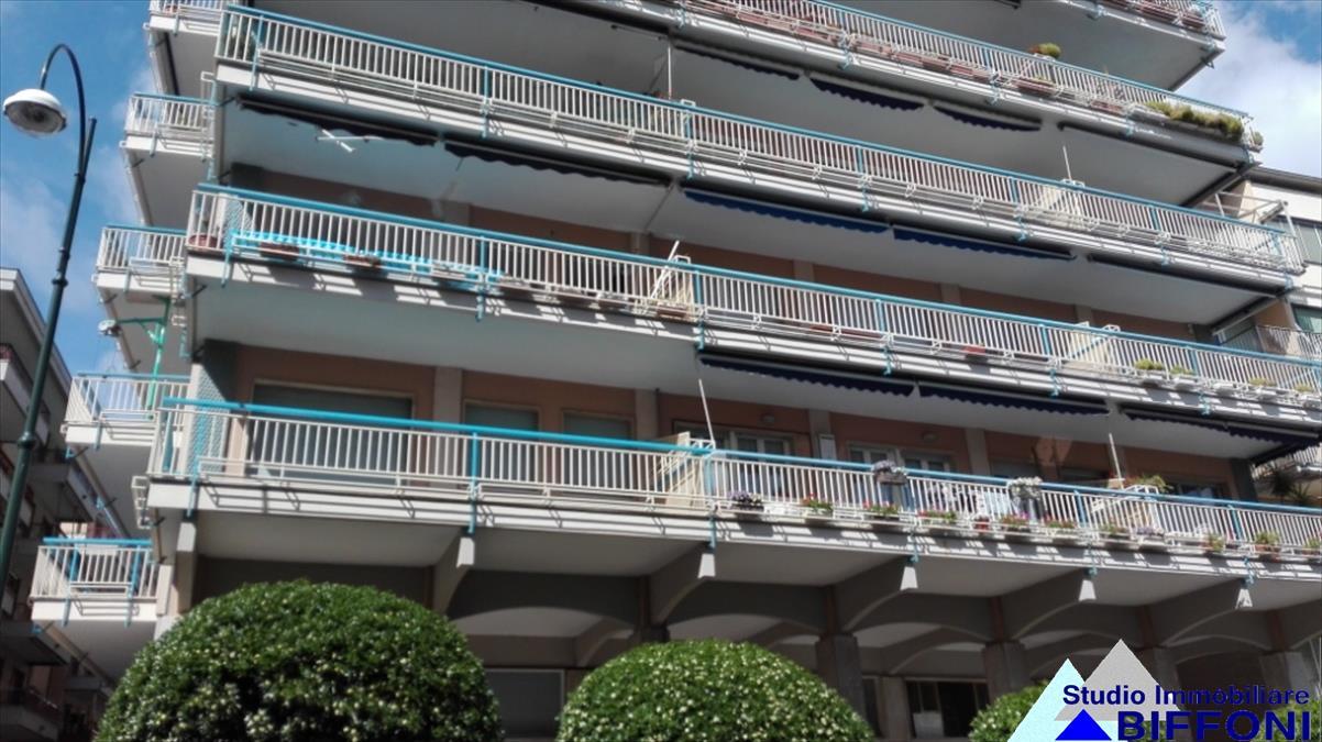 Appartamento in vendita a Chiavari, 3 locali, prezzo € 200.000 | CambioCasa.it