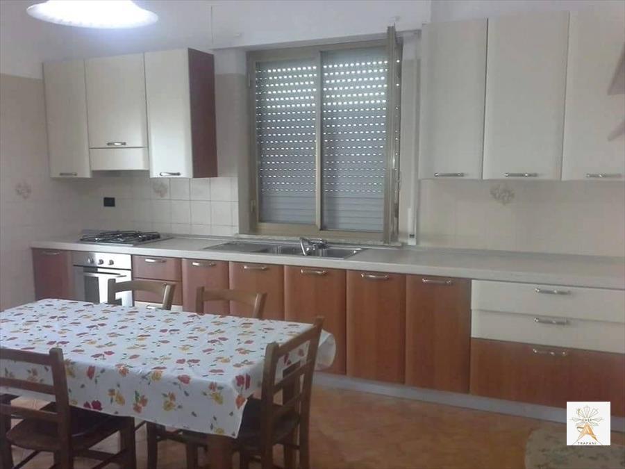 Soluzione Indipendente in vendita a Trapani, 5 locali, prezzo € 160.000 | CambioCasa.it
