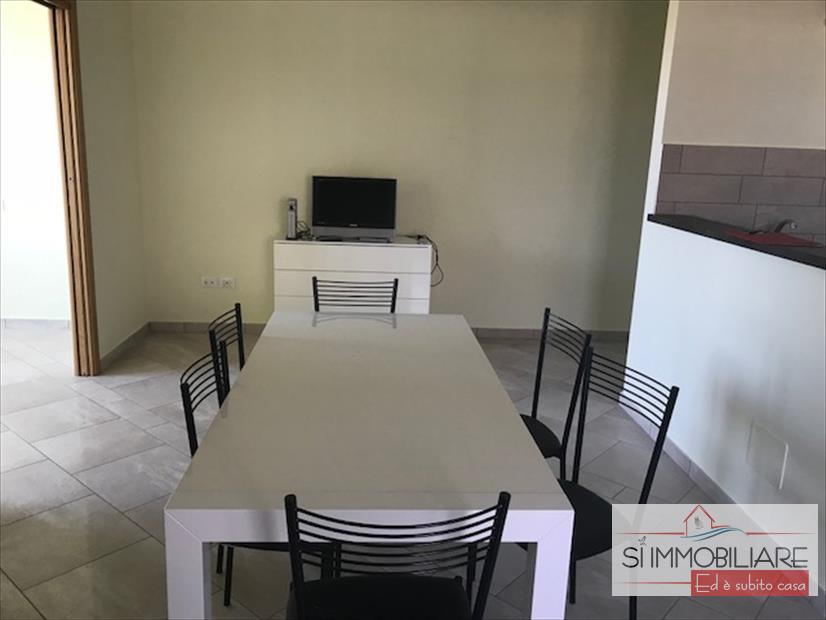 Appartamento in affitto a Città Sant'Angelo, 3 locali, prezzo € 580 | CambioCasa.it