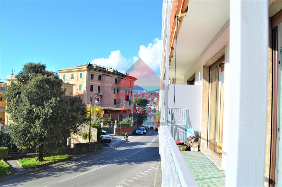 Appartamento in vendita a Rapallo, 3 locali, prezzo € 210.000   CambioCasa.it