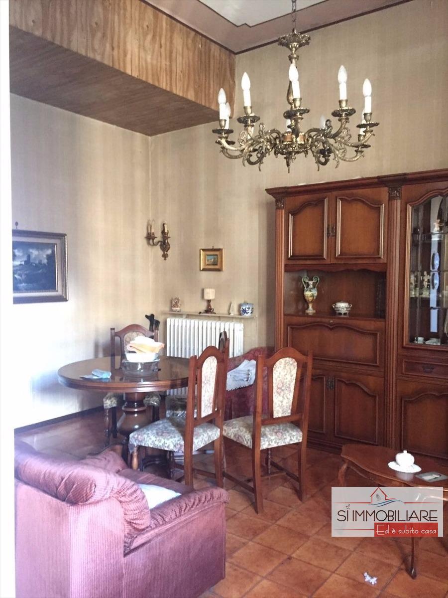 affitto appartamento pescara   800 euro  5 locali  100 mq