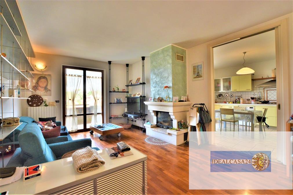 Appartamento in vendita a Montecassiano, 5 locali, prezzo € 119.000 | CambioCasa.it