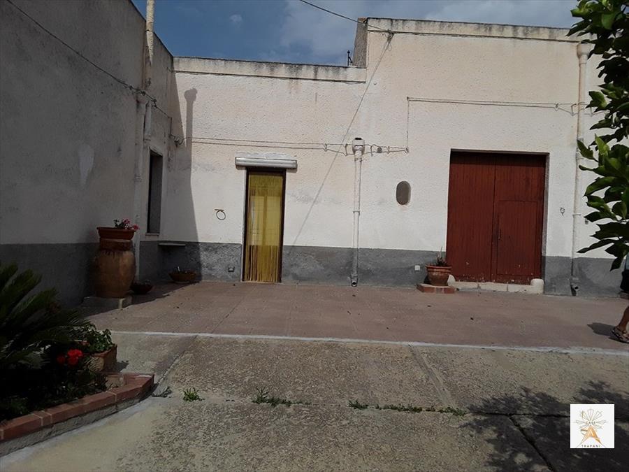 Soluzione Indipendente in vendita a Valderice, 4 locali, prezzo € 120.000 | CambioCasa.it