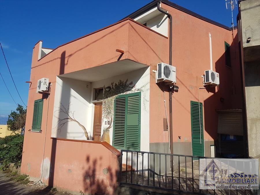 Soluzione Indipendente in vendita a Reggio Calabria, 4 locali, prezzo € 65.000 | CambioCasa.it