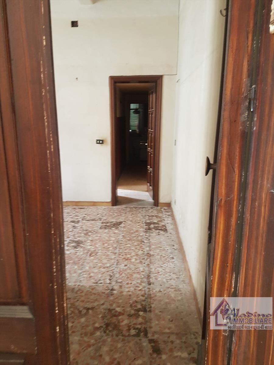 vendita appartamento reggio di calabria   53000 euro  4 locali  85 mq