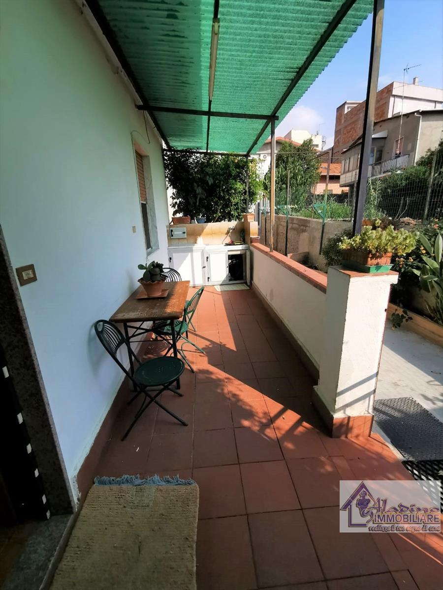 Soluzione Indipendente in vendita a Reggio Calabria, 4 locali, prezzo € 59.000 | CambioCasa.it